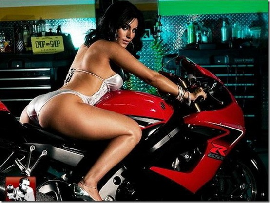 Hot-Babes-With-Bikes-11