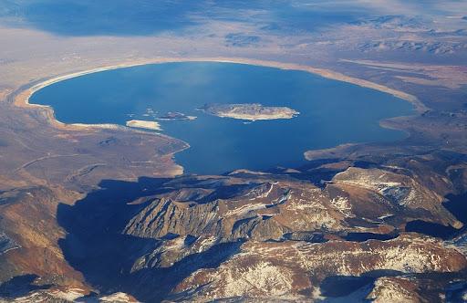 Columns of Mono Lake. California | Feel The Planet