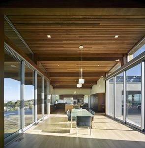 moderna-cubierta-de-madera