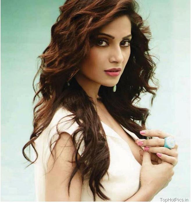 Bipasha Basu Hot Pics for Magazine 3