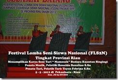 """Tari """"Mamosok"""" di Festival Lomba Seni Siswa Nasional, FLS2N TIngkat Provinsi Riau (6)"""