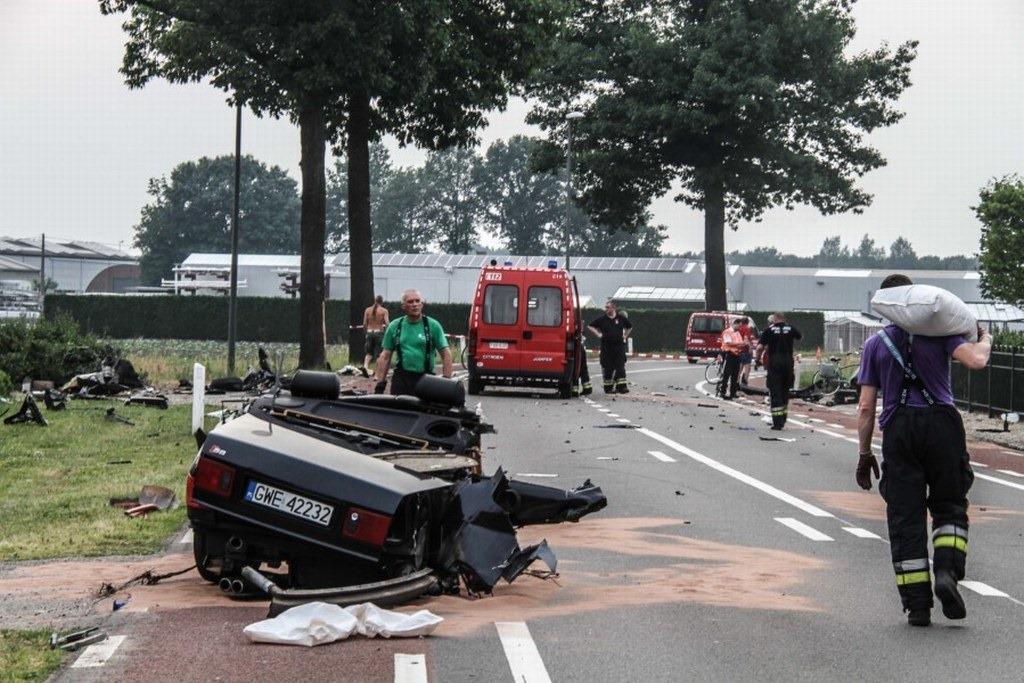 Audi-S8-Accident-16%25255B2%25255D.jpg