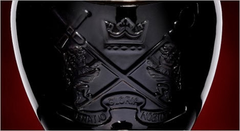 Royal-Salute-Tribute-To-Honour-Bottle-Crest-468x255