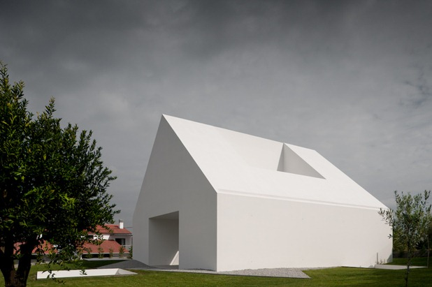 house in leiria by aires mateus 2