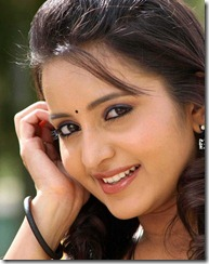actress-bhama-sideview
