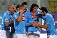 Napoli enfrenta al Cagliari