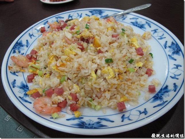 台南-四季小館。蝦仁炒飯,NTD80。這炒飯不錯,炒得粒粒皆分明,滿符合炒飯的精神,算得上中等以上的水準。