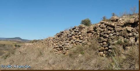 Tramo conservado del segundo recinto amurallado - Castro de Gazteluzar - Cirauqui - Mañeru
