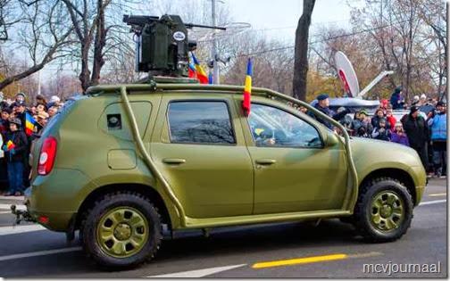 Dacia Duster in legeruitvoering 02