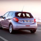 2013-Peugeot-208-HB-10.jpg