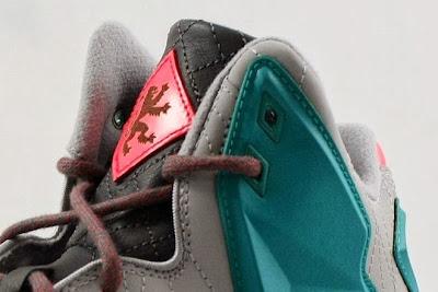 nike lebron 11 nsw sportswear lifestyle miami vice 1 03 Nike LeBron XI NSW Lifestyle Miami Vice (616766 002)