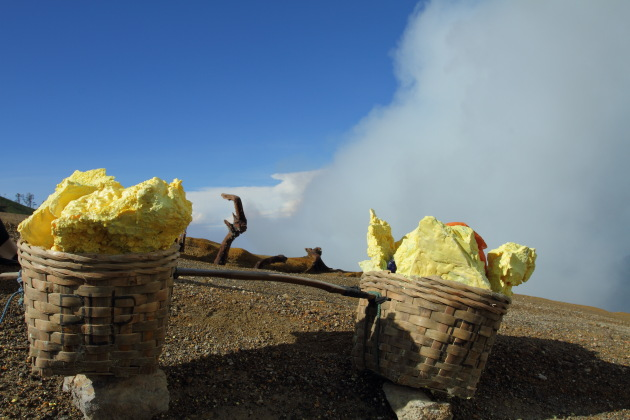 The Sulphur that defines the life of the miner at Kawah Ijen