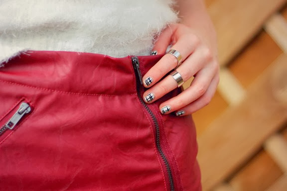 UK FASHION BLOGGER BIKER SKIRT DETAIL