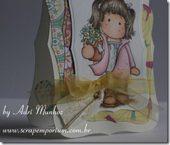 AdriMunhoz_CorreioMagnolia_jan_Tildawithflowerpot_1