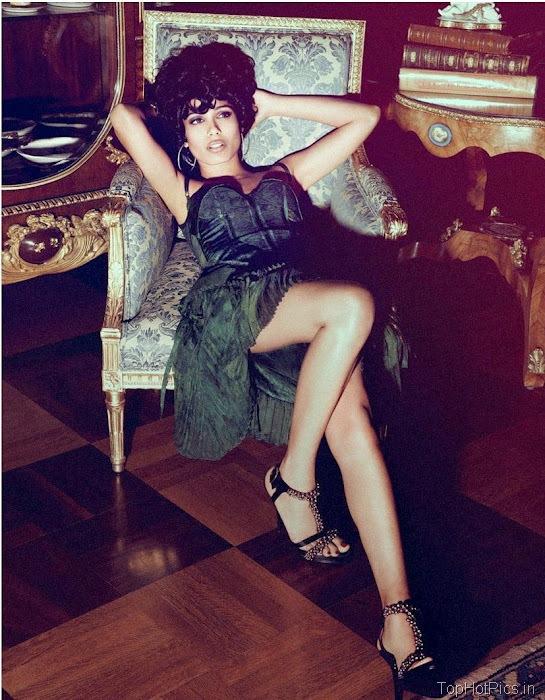 Freida Pinto Sexy 2012 Pics from Magazine 4