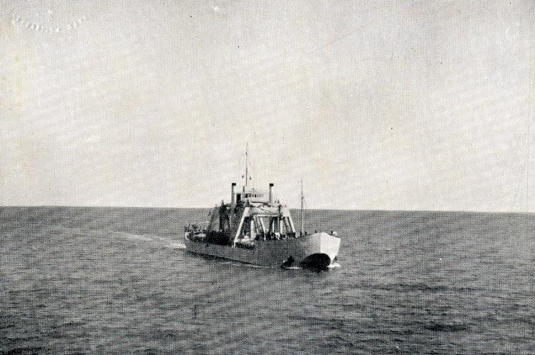 El KANGURO navegando durante unas operaciones navales. Foto de la REVISTA GENERAL DE MARINA. Año 1930.JPG