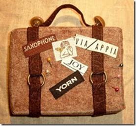 Suitcase Pincushion b