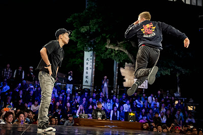 Japanese B-Boy Taisuke battles fellow countryman B-Boy Nori in the semifinals at Red Bull BC One Asia Pacific Final, at Kushida Shrine, in Fukuoka, Japan, on October 12, 2013. // Nika Kramer/Red Bull Content Pool // P-20131015-00126 // Usage for editorial use only // Please go to www.redbullcontentpool.com for further information. //