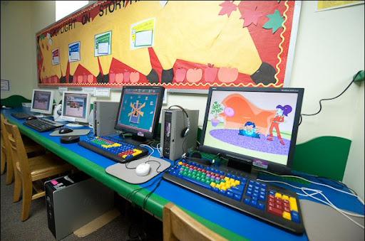 Children's_Computer_Station.jpg