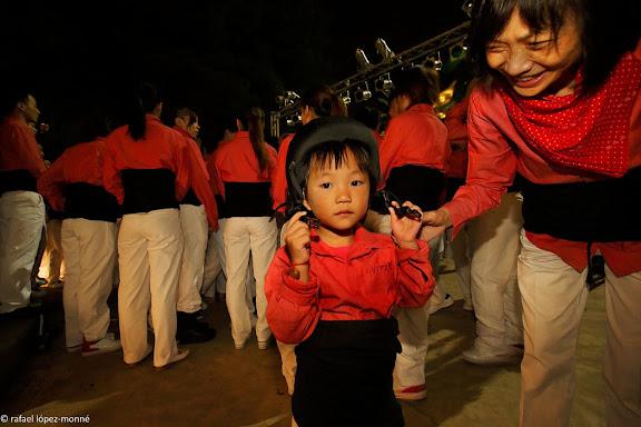Colla de castellers xinesa Xiquets de Hangzhou al inci d'una gira a Catalunya.Hotel Calypso, Medplaya.Salou, Tarragones, Tarragona