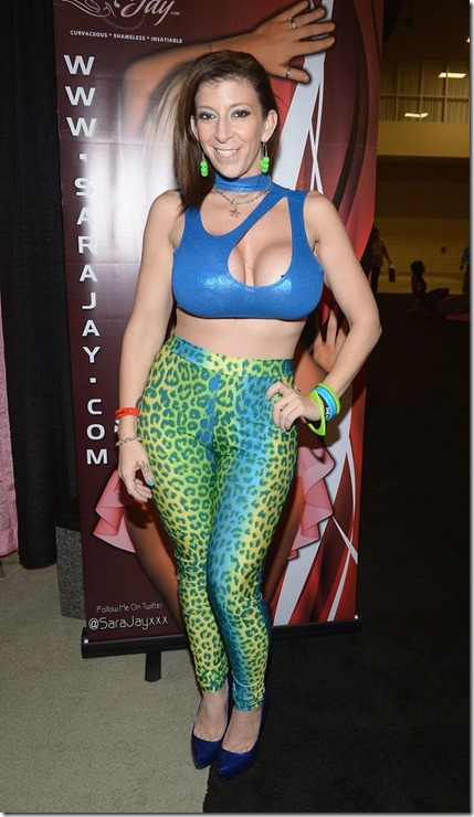 exxxotica-2013-girls-25