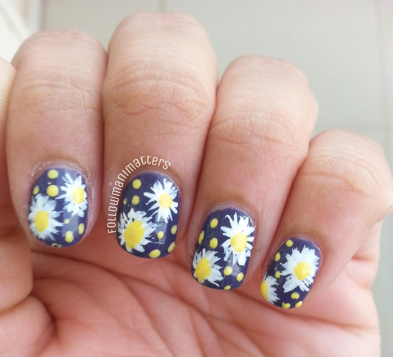 Manisha\'s FollowManimatters: Daisy flowers nail art