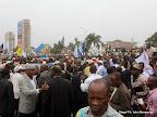 Les partisans de l'opposition le 5/9/2011 sur le boulevard du 30 juin à Kinshasa, lors du dépôt de la candidature d'Etienne Tshisekedi pour la présidentielle 2011, au bureau de réception, traitement des candidatures et accréditation des témoins et observateurs de la Ceni à  Kinshasa. Radio Okapi/ Ph. John Bompengo