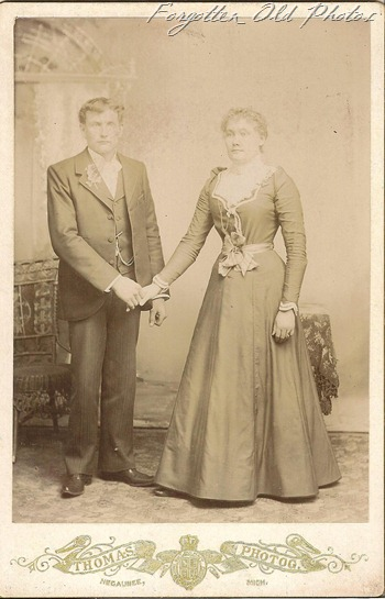 Cabinet Card Wedding holding hands Duluth antiques