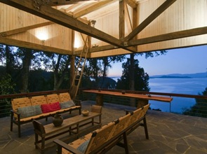 terraza-casa-de-madera-lago-ranco