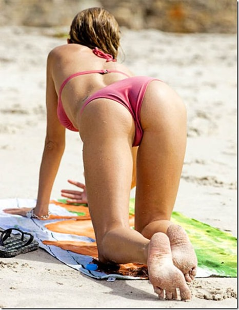 brazilian-beaches-bikinis-26
