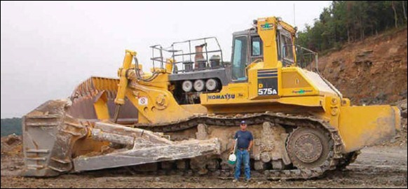 biggest-Bulldozer-D575A-3SD-03