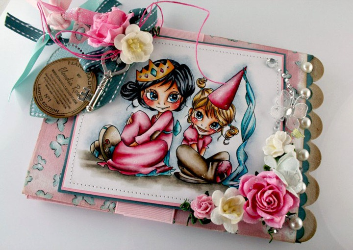 Claudia_Rosa_Princess chipboard album_1
