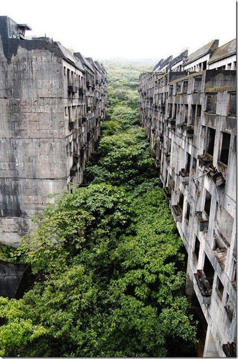 abandoned-places-world-28