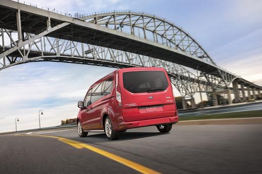 2014-Ford-Transit-Wagon-08.jpg