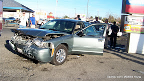 NEWS_120222_Accident_HoweArden_#121407_MDY-015.JPG