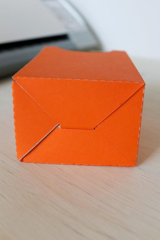 make your own door hanger #halloween #papercrafts #spon