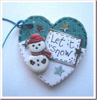 Let It Snow heart Shaped Tag
