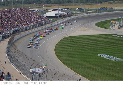 'Restart at Chicagoland Speedway' photo (c) 2005, tequilamike - license: http://creativecommons.org/licenses/by/2.0/