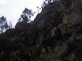 The tricky cliff section near the true summit of Sumbing crater (Daniel Quinn, October 2010)