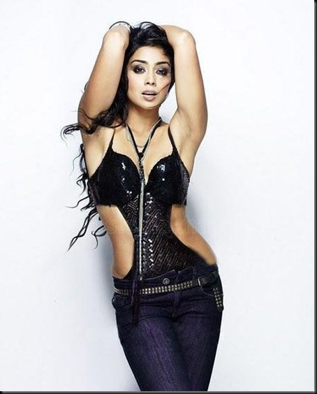shriya-stills-0820