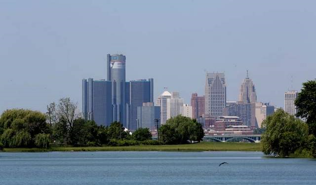 A view of downtown Detroit photographed from Belle Isle. The city park will be leased to the State of Michigan under substantially the same terms as a lease that the Detroit City Council rejected at a previously estimated savings of $6 million a year for the city. Photo: Eric Seals / Detroit Free Press