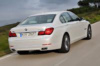 2013-BMW-7-Series-11.jpg