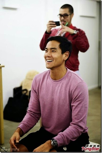 2014.11.11 Eddie Peng during Rise of the Legend - 彭于晏 黃飛鴻之英雄有夢 量身定做黃飛鴻版公仔 01