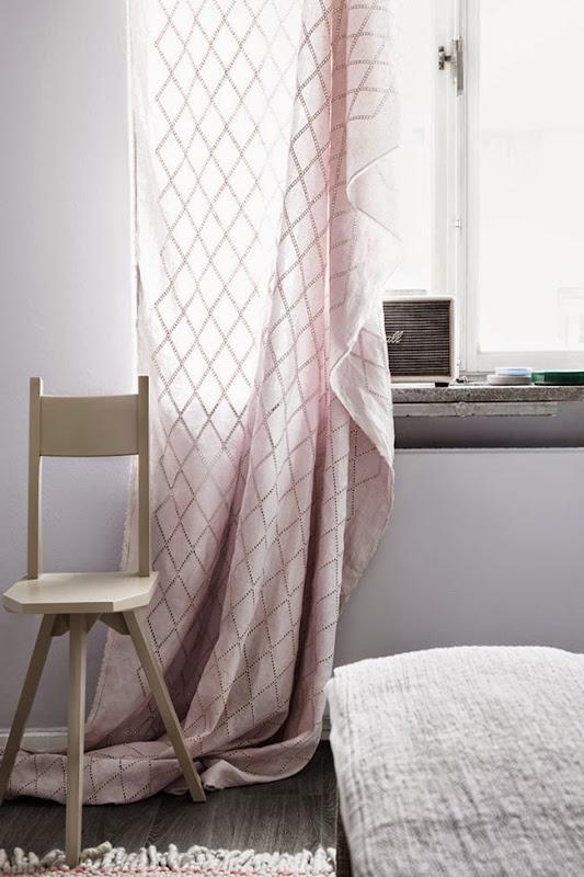 Interior_styling_appartamento_stoccolma_Tina_Hellberg_camera_dettaglio_tendone