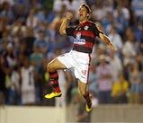 petkovic comemorando o gol - gol do titulo do campeonato carioca de 2001 - falta bem batida (cobrada) pelo servio petkovic - pet camisa 10 do flamengo - witianblog