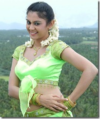 Kamna_Jethmalani_in_green dress