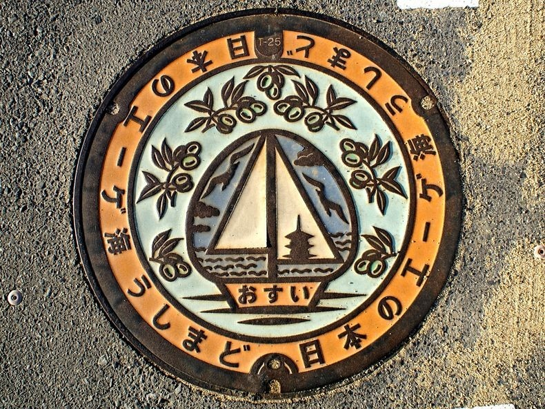 japan-manhole-covers-5