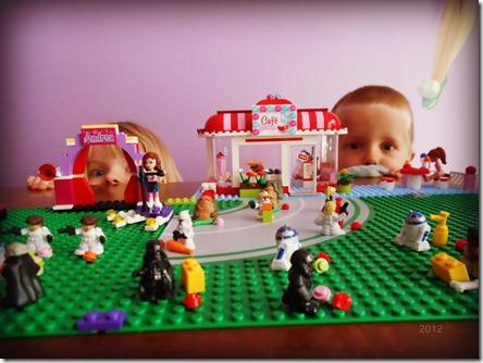 Lego Girl Cantina 2012
