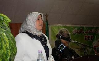 Elle a animé une conférence à Constantine, Naima Salhi dénonce le nomadisme politique