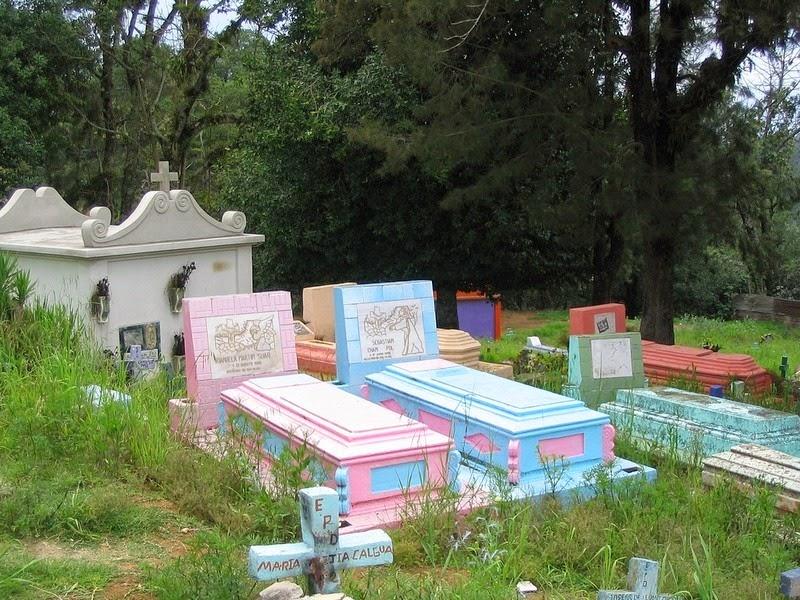 chichicastenango-cemetery-3